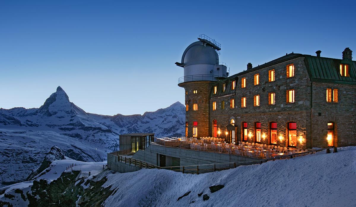 Gornergrat Gastro Tourismus Architektur Nacht Matterhorn Zermatt Sternwarte Winter Schnee