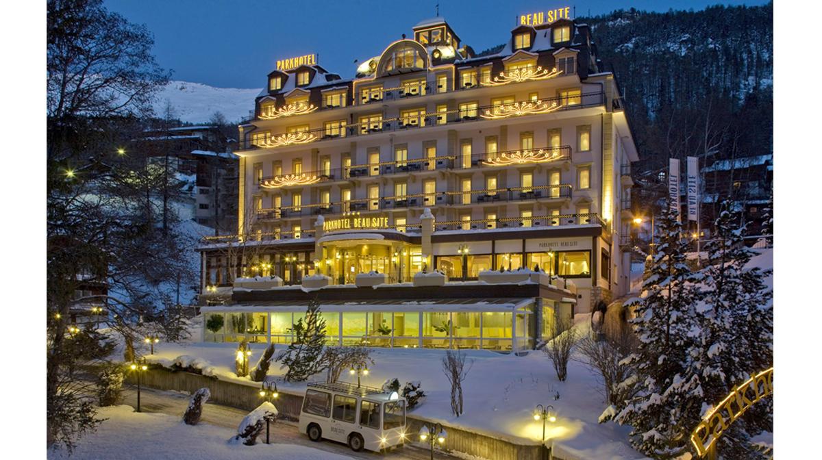 Hotel Beau Site Zermatt Architektur Tourismus Nacht Fotografie